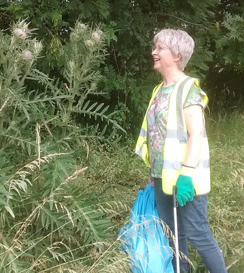 Viki and a musk thistle in Bradford Road